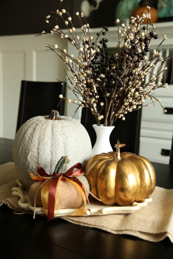 40-Fall-Pumpkin-Centerpieces-With-black-wooden-dining-table-chair-stool-and-golden-pumpkin-table-decor
